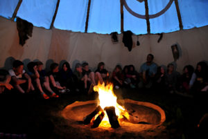 singing_tipi_fire